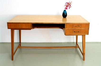 magasin m bel 50er jahre wk m bel schreibtisch. Black Bedroom Furniture Sets. Home Design Ideas