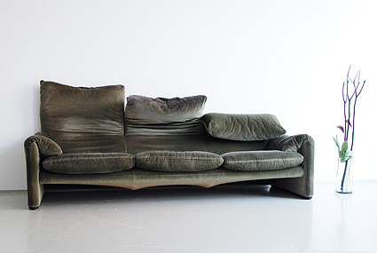 Magasin m bel 70er jahre maralunga sofa und sessel for Couch 70er jahre