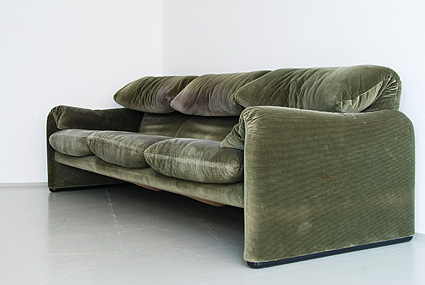 couch02.jpg